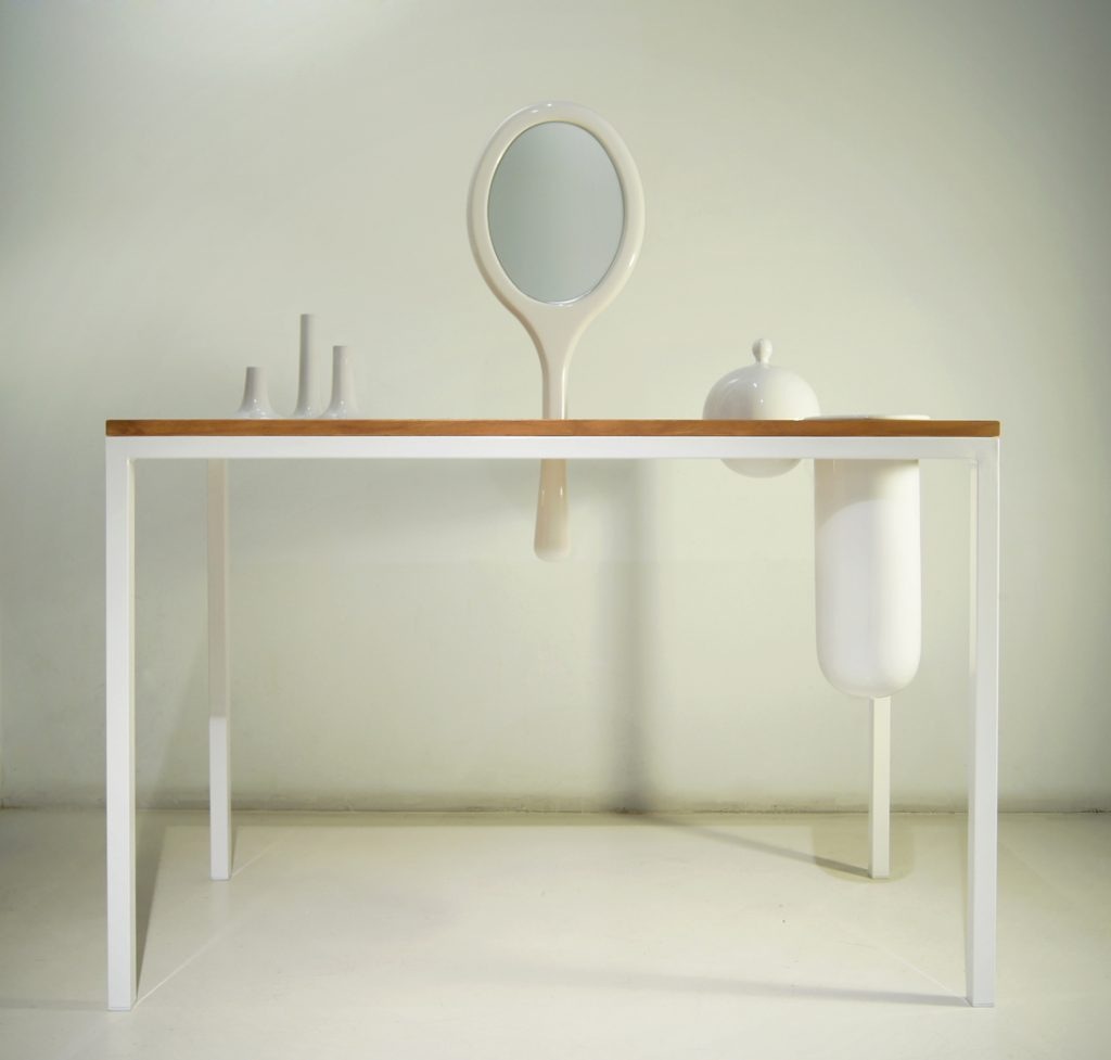 Plug-In The Family Dressing table